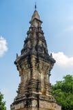 Phra, som Kong Khao Noi, den forntida stupaen eller chedien, som bevarar heliga Buddhareliker, lokaliserade i det Yasothon landsk Arkivfoton