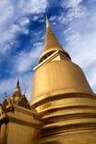 Phra Sri Rattana Chedi przy Wata Phra Kaew świątynią w Bangkok, Thail Obraz Royalty Free