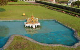 Phra Thinang Aisawan Thiphya - konst i Mini Siam Park Fotografering för Bildbyråer