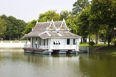 Phra thinang warophat phiman w uderzeniu w pałac Ayutthaya prowinci Zdjęcia Royalty Free