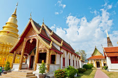 Phrathat Hariphunchai塔, Lamphun省 库存图片