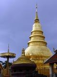 Phrathat Hariphunchai foto de archivo libre de regalías
