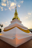 Golden pagoda Phrathat Kham Kaen Khon Kaen, Thaila Stock Images
