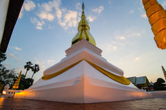 Golden pagoda Phrathat Kham Kaen Khon Kaen, Thaila Stock Image