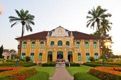 Phraya Abhaibhubate Gebäude, altes Gebäude an Prachinburi provin Stockfotos