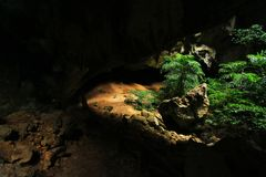 Phraya Nakhon grotta, Khao Sam Roi Yot National Park, Thailand fotografering för bildbyråer