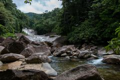 Phrom Lok Waterfall royaltyfri foto