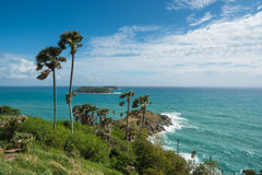 Phromthep与蓝天普吉岛的海角观点 免版税库存图片