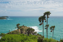 Phromthep与蓝天普吉岛的海角观点 免版税库存照片