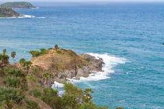 Phromthep海角海视图在普吉岛海岛, 免版税库存图片