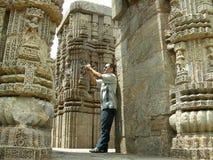 Phtographer en el templo de Sun foto de archivo