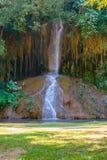 Phu在泰国唱了瀑布用仅水 -36到35度 免版税图库摄影