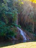 Phu cantó la cascada con agua solamente en Tailandia -36 a 35 grados Fotos de archivo libres de regalías