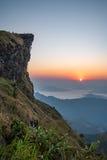 Phu Chi Fa podczas wschodu słońca w Chiang Raja, Tajlandia Zdjęcie Stock