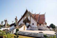 Phu Minimalna świątynia, Biały kościół Fotografia Stock