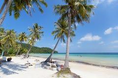 PHU QUOC, ВЬЕТНАМ - 25-ОЕ ОКТЯБРЯ 2014: Пляж Sao Bai, остров Phu Quoc, Вьетнам Стоковая Фотография
