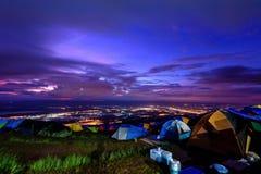 Phu Thap Berk во время восхода солнца стоковые фотографии rf