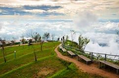 Phu Thap Boek in Thailand Het is een mooie mist in Thailand W Stock Foto's