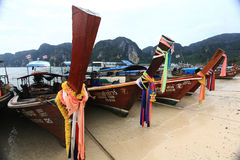 Phuket, ΤΑΪΛΑΝΔΗ - 5 Ιανουαρίου: βάρκα Ασία εξόρμησης καγιάκ θάλασσας τοπίων στις 5 Ιανουαρίου 2015 Στοκ εικόνα με δικαίωμα ελεύθερης χρήσης