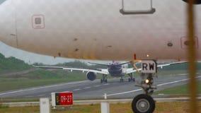 Phuket-Flughafenverkehr stock footage