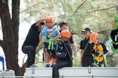 Phuket-gennaio 14,2017: Zip-line per gioco da bambini il giorno a dei bambini Fotografia Stock Libera da Diritti