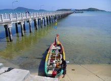 Phuket pir och fiskebåt, Thailand Arkivfoton