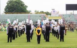 PHUKET, TAILÂNDIA - 13 DE JULHO: Parada do aluno no estádio Fotos de Stock