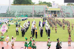 PHUKET, TAILÂNDIA - 13 DE JULHO: Parada do aluno no estádio Imagens de Stock