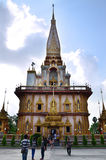 PHUKET, TAILANDIA - 15 APRILE 2014: Wat Chaitharam o Wat Charon Fotografia Stock