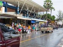 Phuket, Tailandia - 13 de abril de 2017: Celebración del Año Nuevo budista tailandés - Songkran Foto de archivo