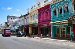 Phuket, Tailandia - 15 de abril de 2014: Viejo estilo de Portugues del tipo de tela de algodón del edificio en Phuket Imagen de archivo