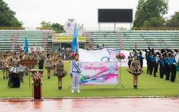 PHUKET, TAILANDIA - 13 DE JULIO: Desfile del alumno en el estadio Foto de archivo