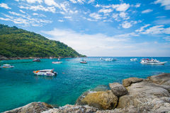 Phuket, Tailandia 21 dicembre: cielo blu di bella vista e chiaro wate Fotografia Stock Libera da Diritti