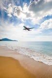 Phuket, Tailandia - 25 novembre 2016: atterraggio piano Fotografie Stock