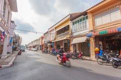 Phuket, Tailandia 29 novembre 2015: Vecchia costruzione cino Portugues fotografie stock libere da diritti