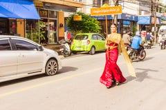 Phuket Tajlandia, Aug, - 26, 2016: Niezidentyfikowana piękna dziewczyna jak Fotografia Stock