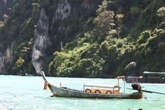 Phuket TAJLANDIA, STYCZEŃ, - 05: krajobrazowy denny kajak wycieczkowy łódkowaty Asia na STYCZNIU 05, 2015 Zdjęcia Stock