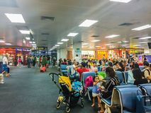 Phuket, Thaïlande - 21 février 2017 : Après arrivé, foule de Images stock
