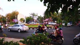 Phuket, Thaïlande : Juin 6,2015 en monument de Sapanhin banque de vidéos