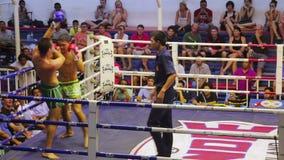 PHUKET, THAÏLANDE - JUIN 2014 : Matchs thaïlandais de boîte de Muay