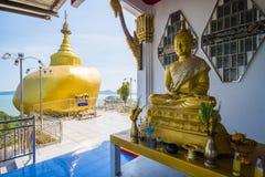 Phuket, Thaïlande - 20 mai 2016 : Modèles de Kyaikhtiyo chez Koh Sirey Photos stock
