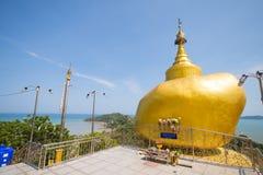 Phuket, Thaïlande - 20 mai 2016 : Modèles de Kyaikhtiyo chez Koh Sirey Photographie stock libre de droits