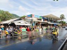 Phuket, Thailand - April 13, 2017: Viering van het Thaise Boeddhistische Nieuwjaar - Songkran Royalty-vrije Stock Afbeelding
