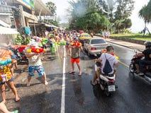 Phuket, Thailand - April 13, 2017: Viering van het Thaise Boeddhistische Nieuwjaar - Songkran Stock Foto