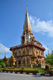 Phuket Thailand - April 15, 2014: Wat Chaitharam eller Wat Charong i Phuket, Thailand Royaltyfri Bild