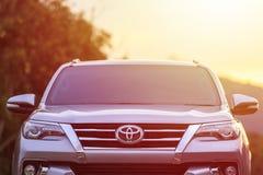 PHUKET, THAILAND - NOVEMBER 3: Privé auto, Toyota Nieuwe Fortuner stock afbeeldingen