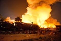 Phuket THAILAND OKTOBER 16: Brand i stormarknad - fånga brand i Supe Fotografering för Bildbyråer