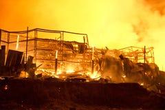 Phuket THAILAND OKTOBER 16: Brand i stormarknad - fånga brand i Supe Arkivbild