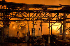 Phuket THAILAND OKTOBER 16: Brand i stormarknad - fånga brand i Supe Arkivfoton