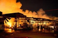 Phuket THAILAND OKTOBER 16: Brand i stormarknad - fånga brand i Supe Royaltyfri Foto